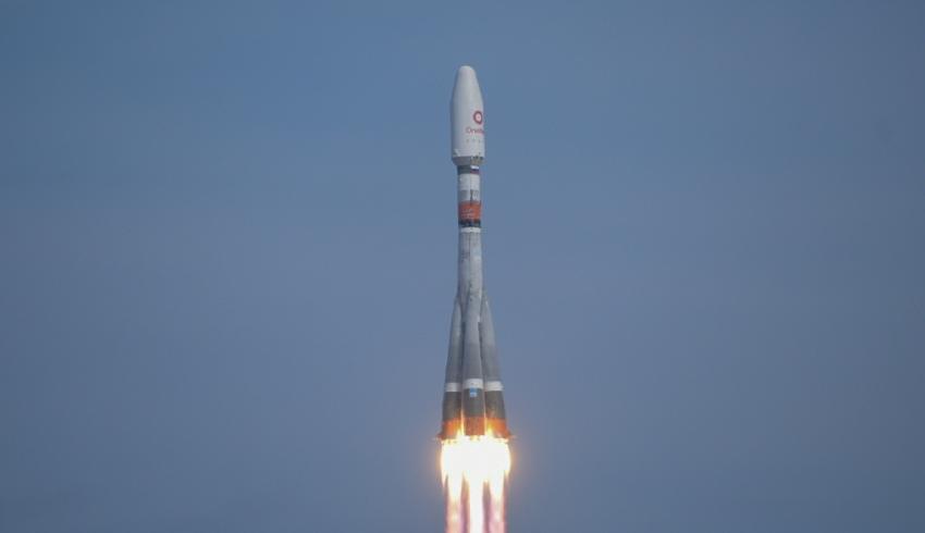 Arianespace deploys OneWeb satellites in low Earth orbit